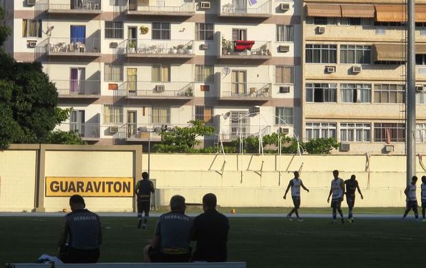 Gabriel treino Botafogo (Foto: Thales Soares)