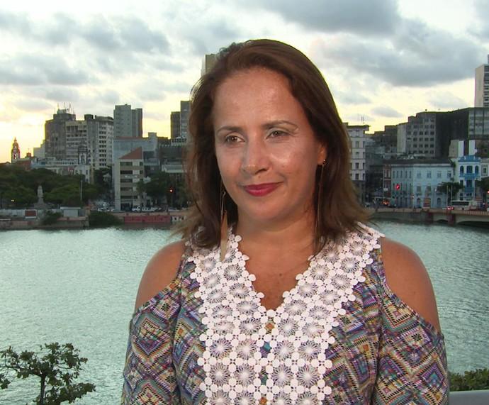 Eliane é anfitriã do 'Jogo de Panelas 18' (Foto: TV Globo)