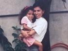 Anitta mostra foto de infância no colo da mãe e a parabeniza