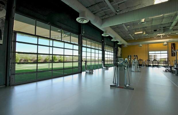 Um dos espaços do centro de treinamento Exos (Foto: Divulgação)