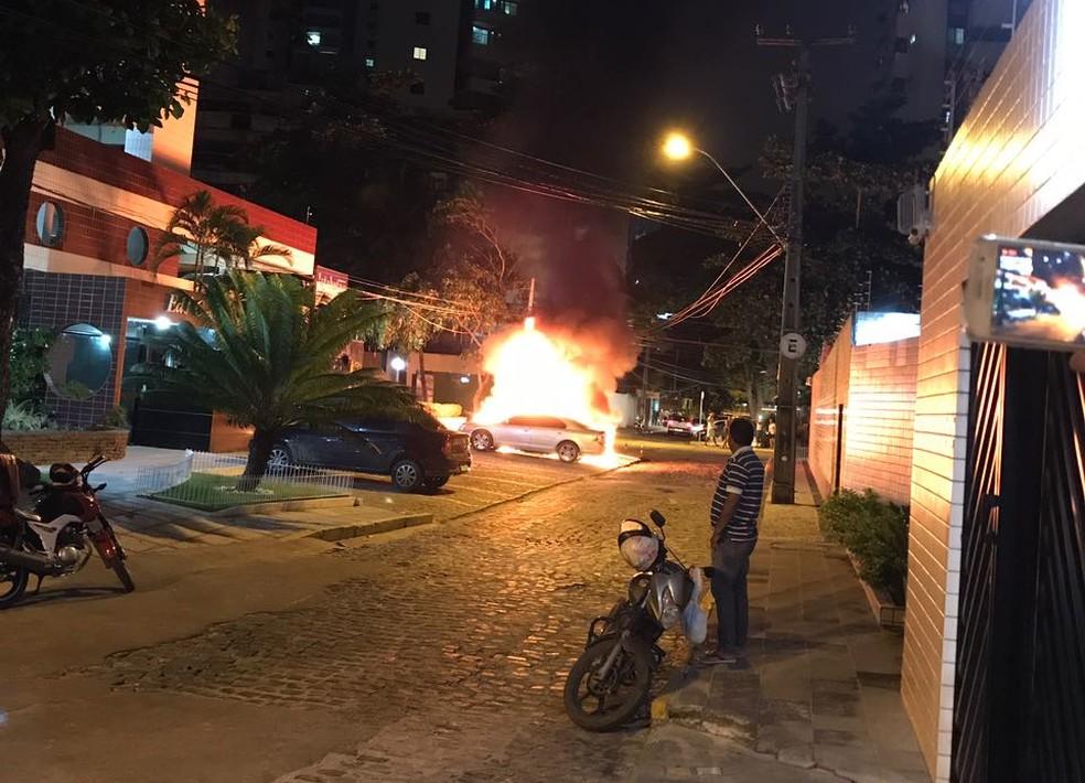 Polícia vai investigar se incêndio foi criminoso (Foto: Reprodução/WhatsApp)