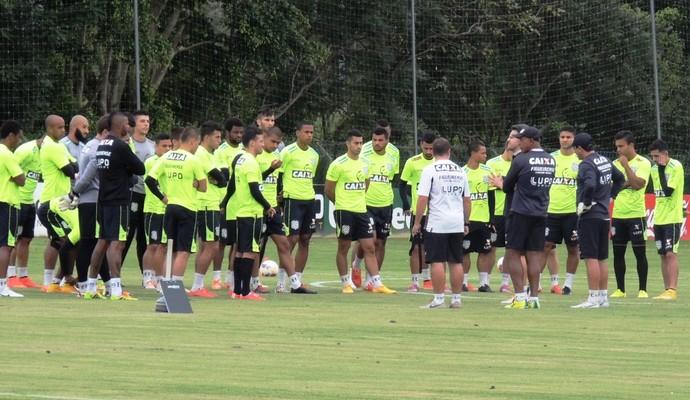 Figueirense apresenta (Foto: Diego Madruga)