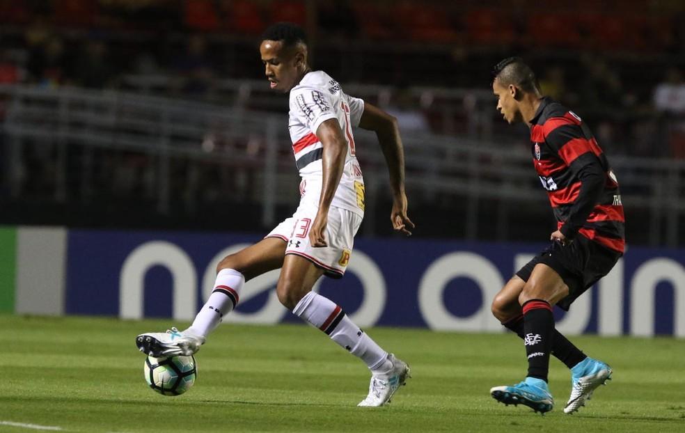 Éder Militão foi um dos destaques do São Paulo na vitória no Morumbi (Foto: Rubens Chiri / site oficial do São Paulo)