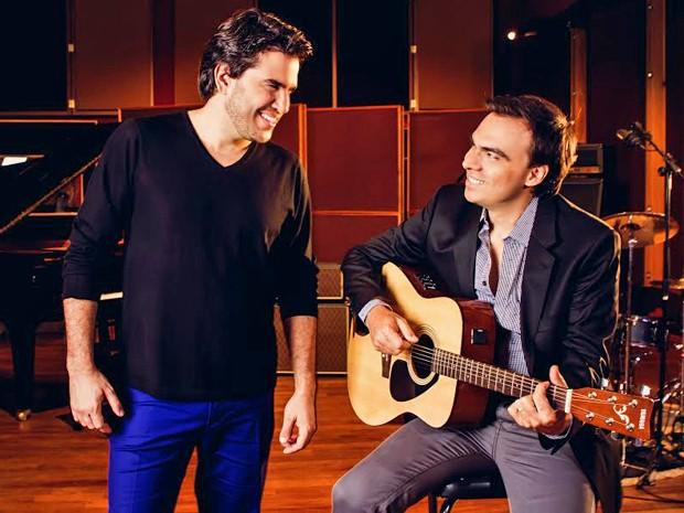 Marco e Mário cantam 'Quem é Ela', tema de protagonistas de 'Em Família' (Foto: Divulgação)