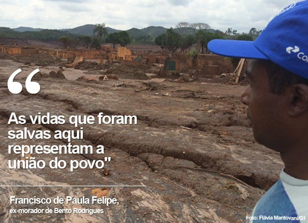 Francisco de Paula Felipe, ex-morador, observa Bento Rodrigues (MG) devastada pela lama (Foto: Flávia Mantovani/G1)