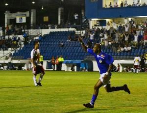 Leandrinho comemora o gol do São José sobre o RB Brasil (Foto: Tião Martins/ São José E.C)