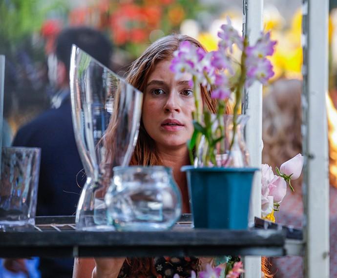Eliza vê Arthur mais uma vez (Foto: Artur Meninea / Gshow)