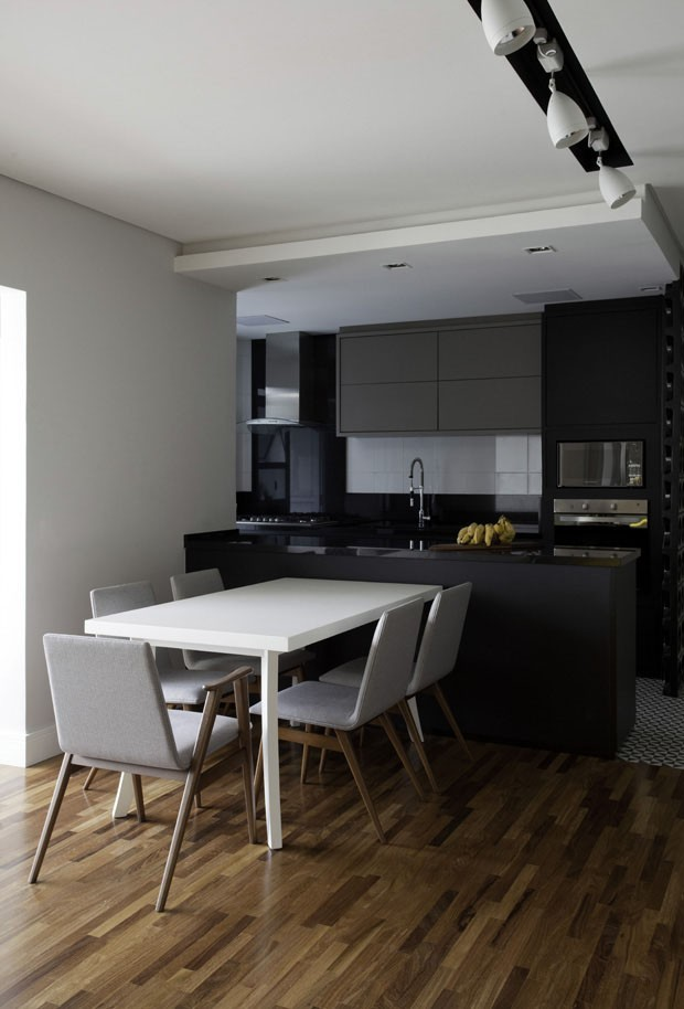 12 cozinhas pretas e elegantes (Foto: Reprodução)