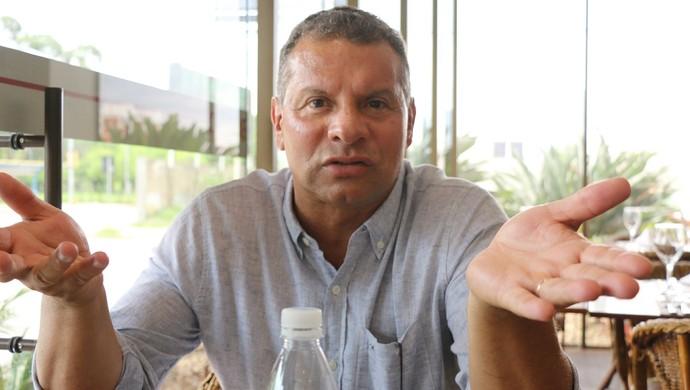 Celso Roth técnico (Foto: Eduardo Moura/GloboEsporte.com)