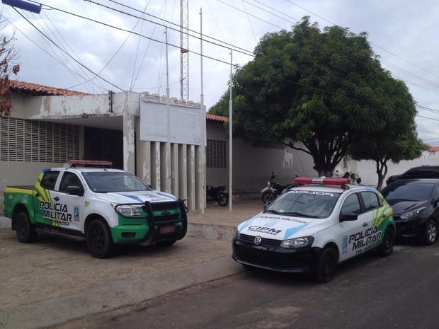 Vítima foi levado à Companhia de Policiamento do Promorar  (Foto: Ellyo Teixeira/G1)