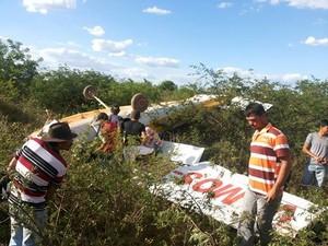 [Brasil] Seripa apura queda de monomotor em povoado de Quixaba, no Sertão de PE Queda_monomotor