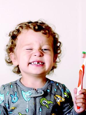 dente; criança; banguela (Foto: Casenbina / Getty Images)