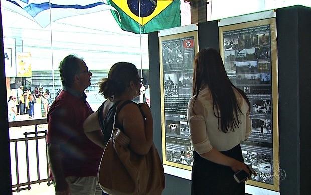 Exposição realizada pela Embaixada Mundial dos Ativistas pela Paz reúne mais de 100 fotos (Foto: Bom Dia Amazônia)