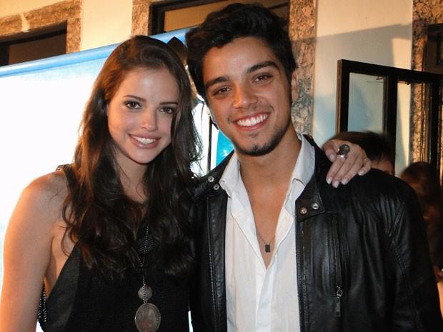 Rodrigo e Agatha Moreira, que interpreta Ju, a irmã mais nova de Bruno (Foto: Malhação / Tv Globo)