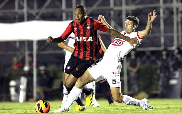 Marcão jogo Atlético-PR Brasil de Pelotas (Foto: Ag. Estado)