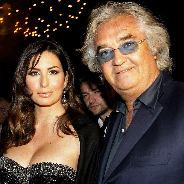 """O empresário italiano e """"cartola"""" da Fórmula 1 Flavio Briatore, de 64 anos, se casou em 2008 com a modelo Elisabetta Gregoraci, também italiana, quase três décadas mais jovem. (Foto: Getty Images)"""