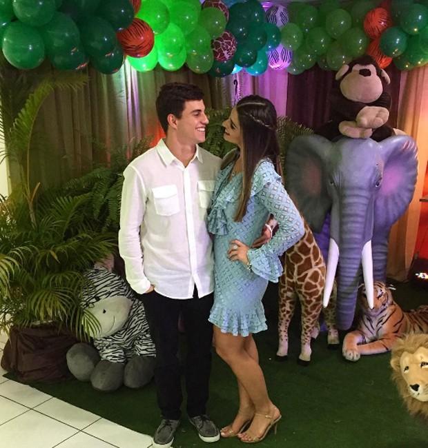 Manoel e Vivian no aniversário de Dudu, sobrinho da sister (Foto: Reprodução/Instagram)