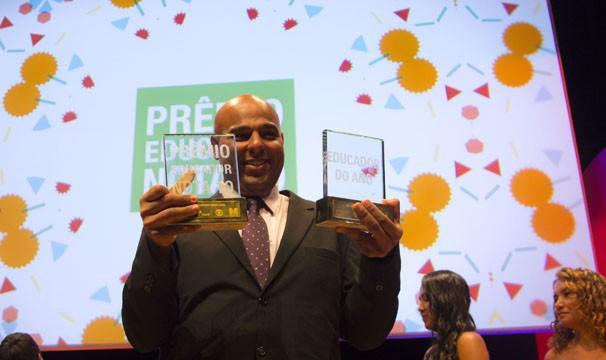 Diego Lima, na cerimônia de premiação do Educador Nota 10 em 2015  (Foto: Divulgação/Amanda Freitas)