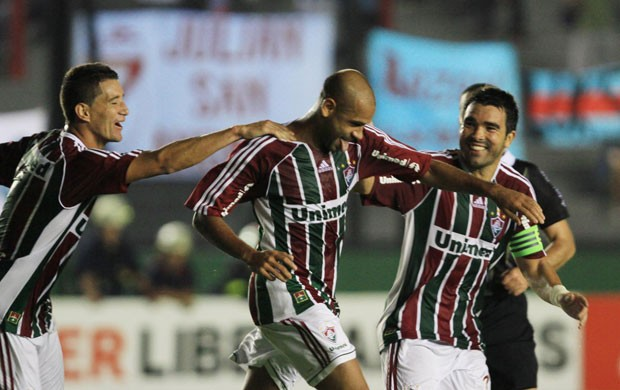 carlinhos deco thiago neves  arsenal x fluminense (Foto: Ricardo Ayres/Photocamera)