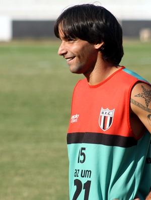 Recuperado, Renan espera renovar contrato com o Botafogo (Foto: Cleber Akamine / globoesporte.com)