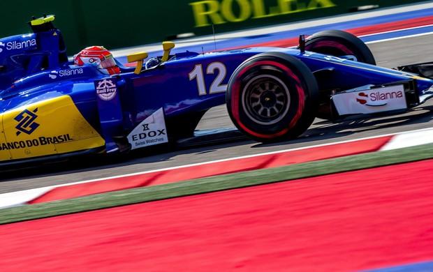 Felipe Nasr em ação nos treinos livres do GP da Rússia