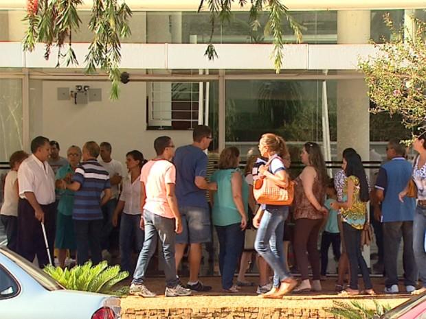 Corpo do empresário foi enterrado no cemitério Bom Pastor em Ribeirão Preto (Foto: Maurício Glauco/EPTV)
