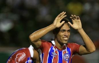 """Éder fica satisfeito em colocar """"pulga atrás da orelha"""" de Guto Ferreira"""