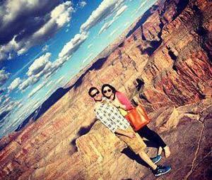 Brittany Maynard, ao lado de seu marido, em visita ao parque nacional Grand Canyon (Foto: Reprodução/Facebook/Brittany Maynard)