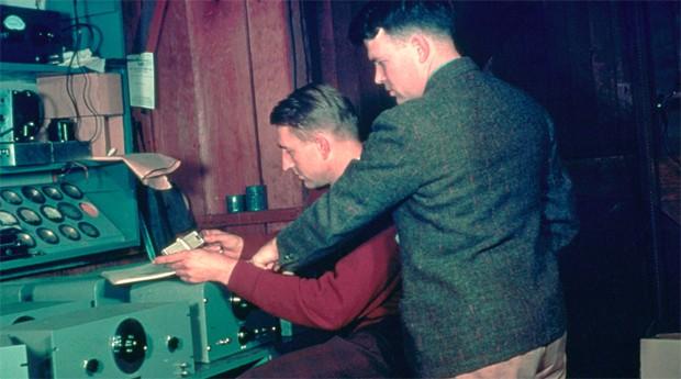 Bill Hewlett e Dave Packard: eles começaram numa garagem (Foto: Reprodução )