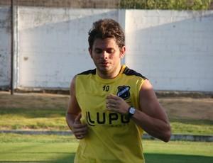 Júnior Xuxa treina forte para recuperar condicionamento físico (Foto: Leonardo Pessoa/ABC)