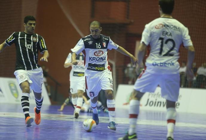 Danilo Baron Joinville Corinthians Liga Nacional de Futsal (Foto: Fabrízio Motta/Divulgação)