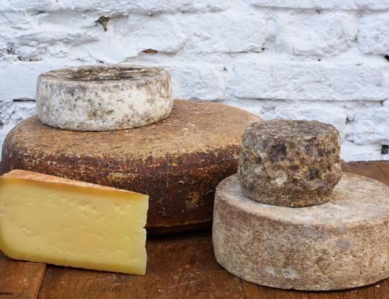 Na feira de produtores do Festival Origem, a Pardinho Artesanal levará quatro tipos de queijos, o Cuesta, Cuestinha, Cuestazul e Mandala. (Foto: Divulgação)