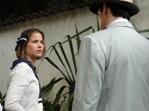 A moça dá um fora em Mundinho (Foto: Gabriela / TV Globo)