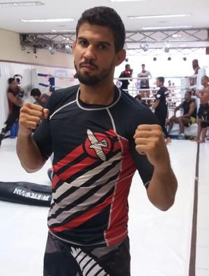 Léo Santos Nova União UFC (Foto: Alexandre Fernandes)