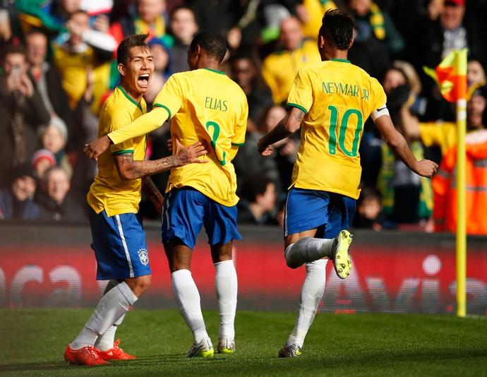 Firmino, Elias e Neymar gol Brasil x Áustria (Foto: Reuters)