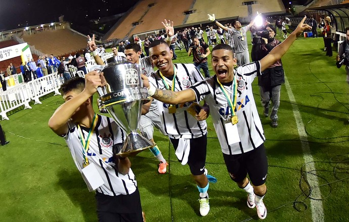 Taça Corinthians Copa do Brasil Sub-17 (Foto: Marcos Ribolli)