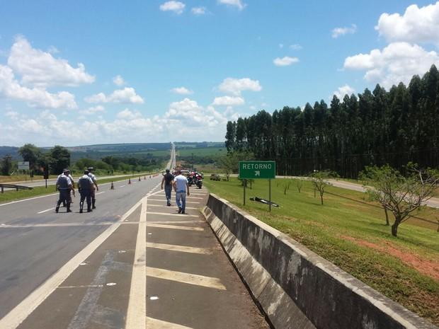 Trecho onde ocorreu acidente com médico na tarde desta terça em Aguaí (Foto: VC no G1)