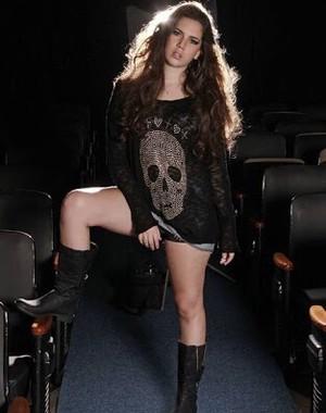 Beatriz Rossetti, agora com 18 anos, quer voltar a ser atriz (Foto: Arquivo pessoal)