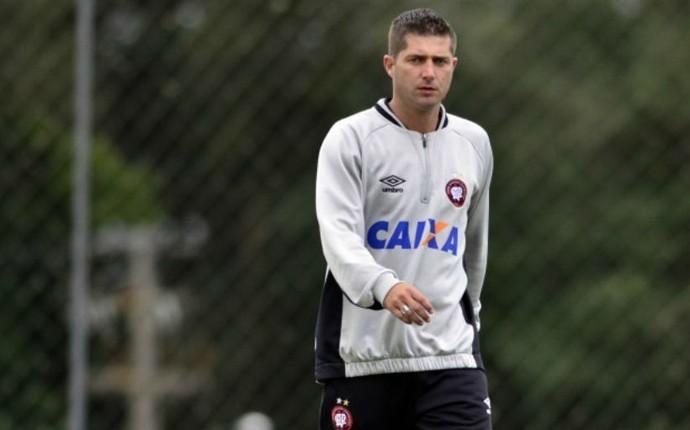 Fabiano Rodrigues Atlético-PR (Foto: Gustavo Oliveira/ Site oficial Atlético-PR)