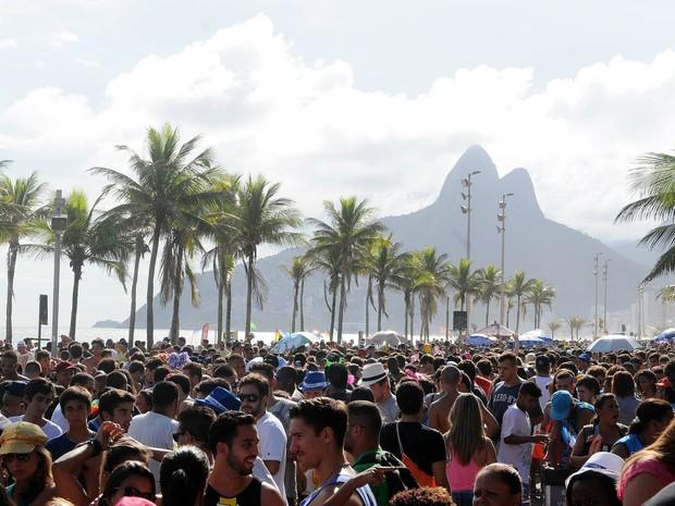 Desfile do Simpatia pela orla de Ipanema (Foto: Alexandre Durão/G1)