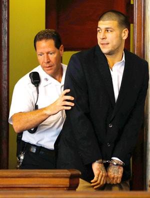 Aaron Hernandez indiciado por homicídio (Foto: Getty Images)