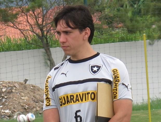 Gustavo Magliocca, médico Botafogo (Foto: Thales Soares / Globoesporte.com)