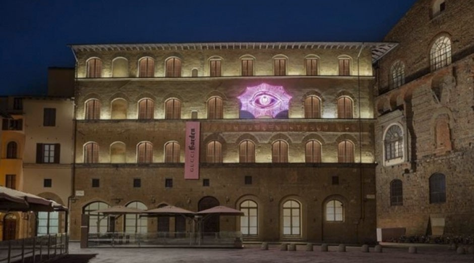 Fachada do Gucci Garden, espaço que possui a loja conceito, o restaurante e o museu da grife (Foto: Divulgação)