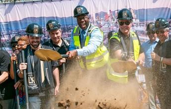 Com Magic Johnson e Will Ferrell, LA FC inicia obras de novo estádio