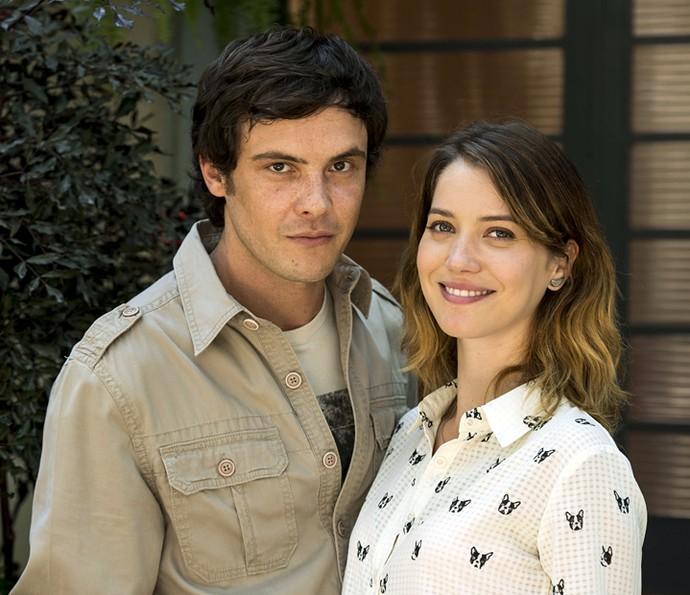 Namorados dentro e fora da telinha: Sergio Guizé e Nathalia Dill viveram o casal Caíque e Laura em 'Alto Astral' (Foto: Ellen Soares/Globo)