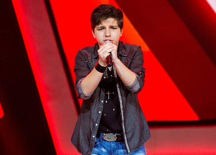 Gabb mostrou muita energia durante a sua interpretação no palco (Foto: Isabella Pinheiro/Gshow)