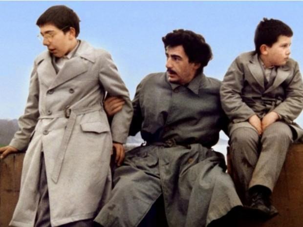 O iugoslavo 'Quando papai saiu em viagem de negócios' será exibido a partir das 20h com entrada gratuita (Foto: Cine Sesc / Divulgação)