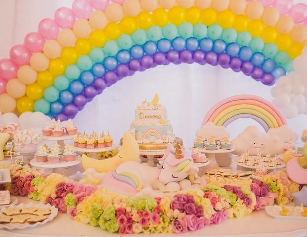 A mesa do bolo: um cenário de sonho (Foto: Vivian Gradela )