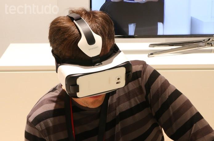 Oculus Cinema está disponível para Gear VR e permite assistir filmes em realidade virtual (Foto: Isadora Díaz/TechTudo)