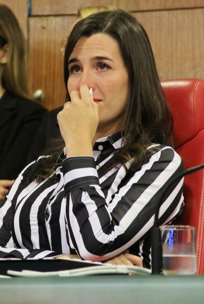 Grávida de 04 meses, Patrícia Rocha ficou emocionada durante discurso do esposo Bruno Sakaue do JPB 1ª Edição da TV Cabo Branco (Foto: Kleide Teixeira/Jornal da Paraíba)